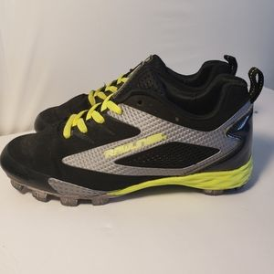 Rawlings youth size 3 cleats